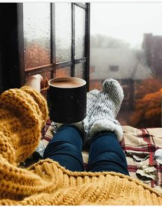 Sweater weather is finally here! Cozy Aesthetic, Autumn Aesthetic, Autumn Cozy, Fall Winter, Autumn Feeling, Autumn Coffee, Autumn Photography, Hello Autumn, Autumn Inspiration