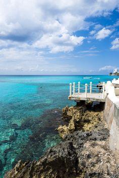 Frente a las costas de Playa del Carmen y la Riviera Maya, se encuentra una de las islas más increíbles de todo México y el Caribe. Se trata de #Cozumel. ¡Visita este paraíso de vegetación tropical, especies exóticas, arenas finas y blancas, mar turquesa y paisajes bellísimos!  http://www.bestday.com.mx/Vuelos/