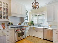 1830 Lincoln Dr:  Is it weird that I want to make out with this kitchen?