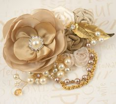 Bridal Hair Clip Fascinator  Vintage Inspired Gold by SolBijou