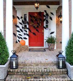 This bat door DIY is super easy and so effective. It looks great!