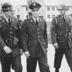 "Horst Schüssler: ""GI ELVIS PRESLEY"" , Foto: Sammlung MUSEUM BAD NAUHEIM, stellvertr. Beatrix van Ooyen"