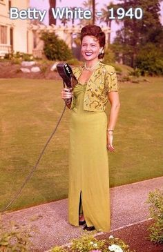 Tagged with awesome, the more you know, classic, betty white, old school cool; Betty White in 1946 Betty White, Divas, Golden Girls, Golden Age, Vintage Hollywood, Classic Hollywood, Hollywood Icons, Hollywood Glamour, Hollywood Celebrities