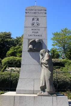 Le monument aux morts 1914-1948 de Saint-Servan-sur-Mer à  Saint-Malo