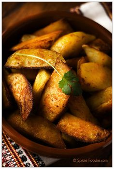 recipe; healthy; low fat; low calories; potatoes; roasted; spicy; spicy roasted potatoes; cayenne; chile powder; oven baked; fries; wedges; spicie foodie