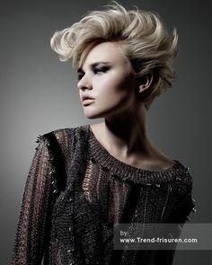 RUSH Mittel Blonde Weiblich Wellig Farbige Multi-tonalen Spikey Frauen Frisuren hairstyles