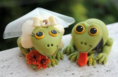 Frog cute wedding cake topper with base and banner by PerlillaPets, $87.00