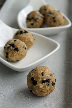 Blaubeer-Muffin-Energy-Balls2