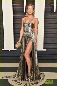 Kate Hudson Puts Her Leg on Display at Oscars 2016 Vanity Fair Party!: Photo #3593973. Kate Hudson shows off so much leg in her sexy dress at the 2016 Vanity Fair Oscar Party held at the Wallis Annenberg Center for the Performing Arts on Sunday (February…