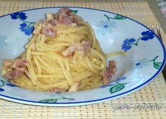 La ricetta originale della carbonara prevede l' utilizzo di guanciale ma è ottima anche la carbonara con pancetta, che è la ricetta di oggi.