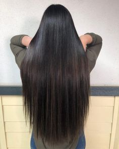 18 Balayage Straight Hair Color Ideas You Have to See in 2020 Straight Brunette Hair, Balayage Straight Hair, Red Balayage Hair, Blonde Balayage Highlights, Caramel Highlights, Dark Purple Hair Color, Dark Red Hair, Hair Color Techniques, Super Long Hair