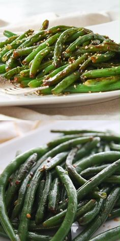 style These restaurant style easy green beans are the favorite vegetable at our house.restaurant style These restaurant style easy green beans are the favorite vegetable at our house. Fresh Green Bean Recipes, Cooking Fresh Green Beans, Sauteed Green Beans, Garlic Green Beans, Vegetarian Recipes, Cooking Recipes, Healthy Recipes, Clean Eating Snacks, Healthy Snacks