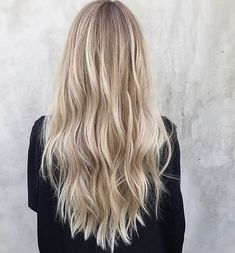 Are you going to balayage hair for the first time and know nothing about this technique? We've gathered everything you need to know about balayage, check! Blonde Hair Looks, Brown Blonde Hair, Beautiful Blonde Hair, Short Blonde, Blonde Hair With Balayage, Blonde Hair Highlights, Summer Blonde Hair, Ashy Balayage, Blonde Foils