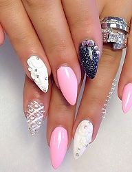 white, pink and black nail art Nails Only, Get Nails, Fancy Nails, Hair And Nails, Fabulous Nails, Gorgeous Nails, Pretty Nails, Amazing Nails, Pointed Nails