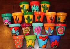 Idea Of Making Plant Pots At Home // Flower Pots From Cement Marbles // Home Decoration Ideas – Top Soop Flower Pot Art, Flower Pot Design, Clay Flower Pots, Flower Pot Crafts, Clay Pot Crafts, Clay Pots, Painted Plant Pots, Painted Flower Pots, Pottery Painting Designs