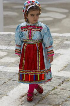 Traditional dress of Karpathos - Pixdaus