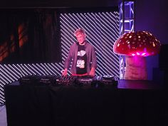 #DjScotto plays during the #PLUR exhibition at the #BethelWoods #Woodstock museum during #MysterylandUSA