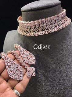 For placing orders Whatsapp on 📱➡ 09725428469 or DM 📩. For placing orders Whatsapp on 📱➡ 09725428469 or DM 📩…. Bridal Jewellery Inspiration, Indian Bridal Jewelry Sets, Bridal Jewelry Vintage, Gold Bridal Earrings, Wedding Jewelry Sets, Fancy Jewellery, Stylish Jewelry, Fashion Jewelry, Jewelry Design Earrings