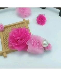 Diy Crafts Hacks, Diy Arts And Crafts, Fun Crafts, Paper Crafts, Fabric Crafts, Tulle Crafts, Creative Crafts, Paper Flowers Craft, Flower Crafts