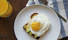 Here's What Real Healthy People Actually Eat For Breakfast