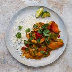 Yotam Ottolenghi's curry recipes - Roast butternut squash curry Veggie Dishes, Veggie Recipes, Indian Food Recipes, Vegetarian Recipes, Cooking Recipes, Healthy Recipes, Savoury Recipes, Vegetarian Cooking, Healthy Dinners