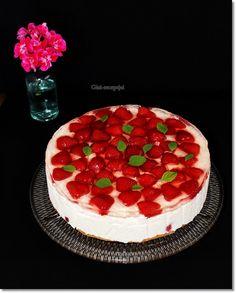 Gizi-receptjei: Citromos-epres túrótorta. (sütés nélküli) Hungarian Cuisine, Just Eat It, Main Dishes, Delish, Cheesecake, Goodies, Rolls, Food, Minden