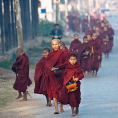 Trail of Monks - Inle Lake - Myanmar