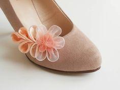 Lososová jemnosť - klip na topánky Ale, Slippers, Outfit, Shoes, Fashion, Outfits, Moda, Zapatos, Shoes Outlet