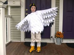 Jenny: Halloween Costumes 2012 by Stumbles & Stitches, via… Falcon Costumes, Duck Costumes, Chicken Costumes, Halloween Costumes, Halloween 2019, Bird Costume Kids, Parrot Costume, Little Mermaid Play, Little Mermaid Costumes