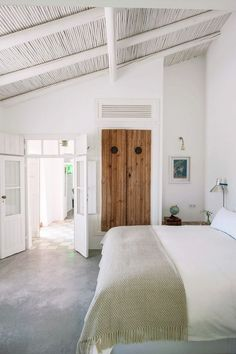 Rustic escape in Portugal | Calming white minimalist interiors with Mediterranean style