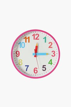 Encourage your little one to learn how to tell time or how to be on time depending on their age. This clock is suitable for all ages. Measures in diam