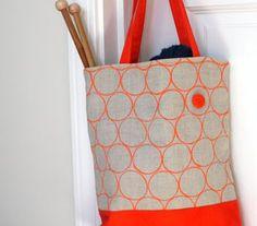 Veja como pintar sua bolsa de tecido com esta técnica super fácil de fazer!