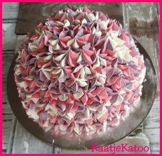 hortensia creme taartje Pie, Desserts, Food, Torte, Tailgate Desserts, Cake, Deserts, Fruit Cakes, Essen