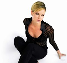 Charlize Theron (born August is an Academy Award-winning South African-American actress, film producer, and former fashion model. Top Celebrities, Hollywood Celebrities, Hollywood Actresses, Celebs, Hollywood Girls, African Actresses, Imperator Furiosa, Mighty Joe, Charlize Theron Oscars