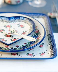 Romantic pattern by Ceramika Artystyczna, Polish pottery...these are so pretty...