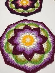 Resultado de imagem para lotus moon cal crochet
