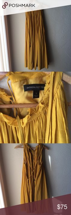 Banana Republic yellow viscose pleated dress small Gorgeous yellow mustard dress - perfect for summer and fall weddings and showers. I bought this new and have only worn it twice, each time to a wedding. It's a size small but is flexible in size since it has two long ties to style how you want. I'm a size 6 - see last photo. Excellent condition: 2 for 15% off. Lmk and questions. Get this before it goes! Banana Republic Dresses Midi