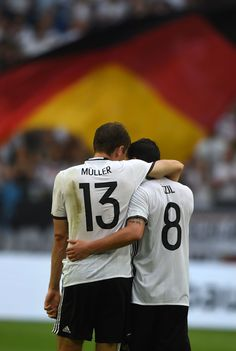 Thomas and Mesut being totally adorable and glorious at the same time