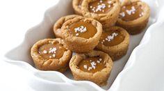 Salted Caramel Cookie Cups #pillsbury