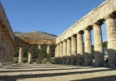 www.tourdelgolfo.com teatro di segesta di giorno