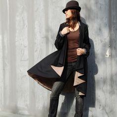 A romantic and cool warm cape coat.