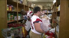 SCRANTON -- Members of the Riverside Vikings football team gave some of their time to help out the St. Francis of Assisi Kitchen in Scranton. Some of the high school athletes said they saw a Facebo...
