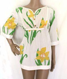 Lilli Pulitzer Multi-Colored Floral 100% Cotton 3 Button Tunic Size  S - EUC #LillyPulitzer #Tunic #Casual