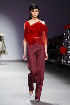So chic, so bold! Holly Fulton Ready To Wear Fall Winter 2015 London