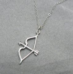 Perfect for the archer in your life or to remind you of your favorite archer! Sagittarius zodiac sign/symbol. .925 Sterling silver charm, cable chain, and spring ring clasp. Clasp is wire-wrapped to chain for added security. Charm measures 30mm x 15mm. Please see my shop for other