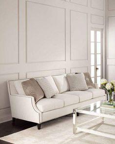 I love that beautiful colour combination of Ivory and this light taupe. A very elegant livingroom. | Ich liebe diese wunderschöne Farbkombination aus ivory und diesem leichten taupe. Ein wunderschönes Wohnzimmer. #ad #livingroom #colour