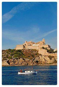 Eivissa by robertharding.com