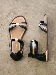 i want these so badly Striped Sandals, Cute Sandals, Flat Sandals, Sock Shoes, Shoe Boots, Shoe Bag, Buy Shoes, Me Too Shoes, Shoes Outlet