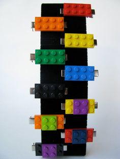 LEGO Hair Clips Choose Any 2 Colors by cutebricks on Etsy Headband Hairstyles, Diy Hairstyles, Pretty Hairstyles, Legos, Bijou Geek, Lego Jewelry, Lego Themed Party, Lego Craft, Barrettes