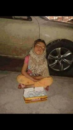 No children should live like this! So sad! Poor Children, Save The Children, Precious Children, Beautiful Children, Kids Around The World, People Around The World, Mundo Cruel, Innocent Child, Children Photography
